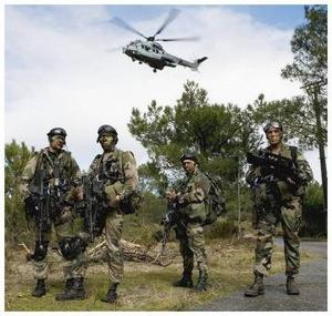 """REVELATIONS DU JOURNAL """"L'EXPRESS"""": Pourquoi l'Armée française ne veut pas quitter Dakar"""