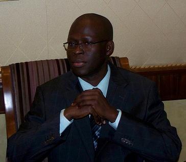 Pour avoir donné le nom de Youssou Ndour à une des rues de Saint Louis : Ely Charles Moreau s'en prend à Bamba Dieye