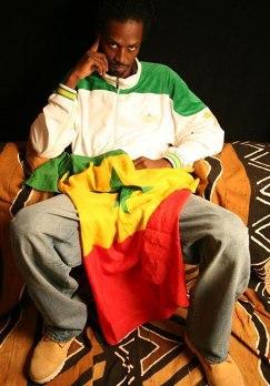CONCERT DE CLÔTURE DU FESTIVAL AFRICA FETE: Bagarre à 2 h du mat' entre Xuman et le Bat'haillon blin-d