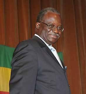 CEREMONIE DE DÉDICACE AUX QUATRE VENTS : « Je ne reviendrai plus sur le terrain politique »