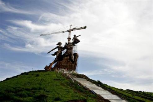 MONUMENT DE LA RENAISSANCE: Une source de cacophonie dans la famille de Ndiassane
