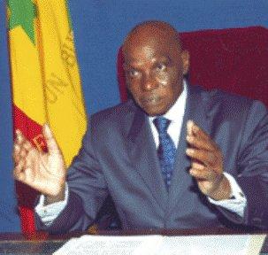 DISCOURS DU NOUVEL AN: Wade recourt à la « chirurgie » médiatique pour présenter  un discours fleuve aux Sénégalais
