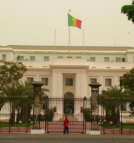 Après un super ministère: l'inexpérimenté Karim Wade s'empare du palais