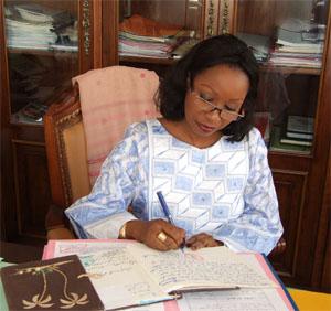 Passation de marchés au Ministère de la famille : Les révélations sur la gestion de Awa Ndiaye