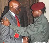 GUINEE: Wade se barricade et pousse son « fils » Dadis dans la fosse aux lions