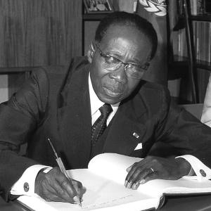 CLASSEMENT DU NOUVEL OBSERVATEUR : Senghor premier parmi les chefs d'Etat écrivains