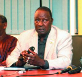 Véhicule incendié au siège du Pds : Ousmane Ndoye absout Barthélémy Dias et indexe Ablaye Faye et Djibril Wade