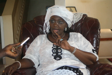 Palais de la République : Mme Aminata Tall force la main du président Wade et filtre les entrées. Mais …