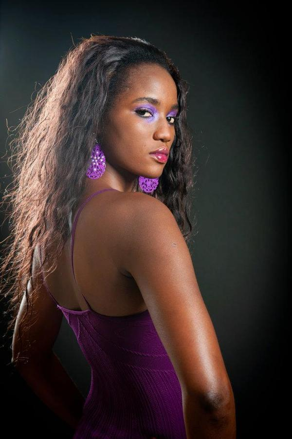 [ PHOTOS ] SUITE AUX DECLARATIONS DE MISS ST. LOUIS,  AMBROISE GOMIS REPLIQUE :  Awa Ndiaye a cach quelle tait divorce et mre dun enfant  