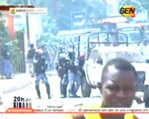 "VIDEO - C'etait l""intifada sur l'avenue Cheikh Anta Diop ce matin Regardez"