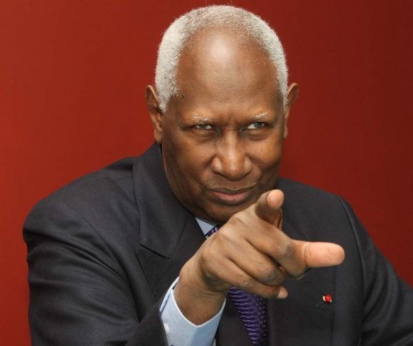 Abdou Diouf sur l'urgence d'une intervention au Mali «Quand la case du voisin brûle, va vite l'aider à l'éteindre, sinon l'incendie touchera tout le monde»