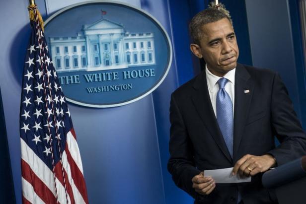 Ouragan Sandy: le candidat Obama s'efface, le président prend les commandes