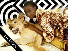 AFRICAN TOUR 2012 Coumba Gawlo à Conakry et Abidjan