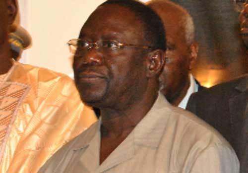Insulté et humilié par un chef religieux, le Ministre Mbaye Ndiaye fond en larmes devant sa femme