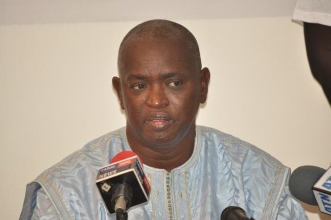 """Abdou Latif Coulibaly, ministre de la bonne gouvernance et porte-parole du gouvernement : """"Il faut que les gens aient plus de respect pour ma personne"""""""