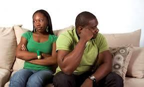 Célibataires : les 10 comportements tue-l'amour qui font fuir les hommes