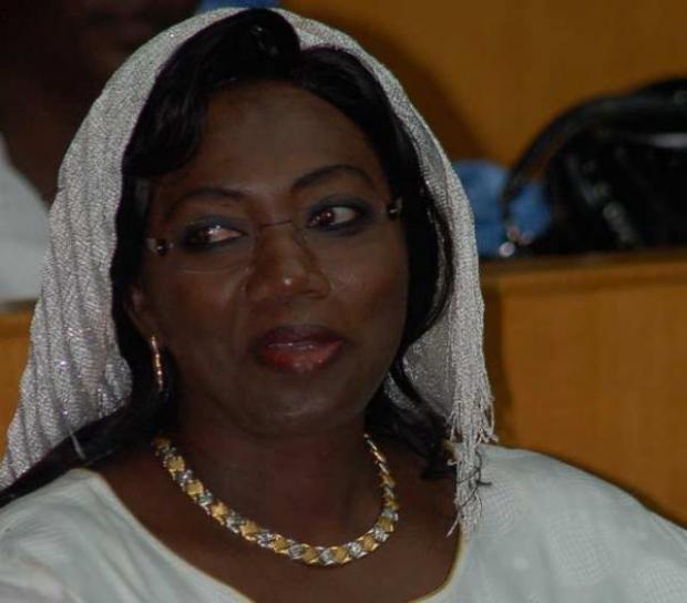 CONSEIL ECONOMIQUE, SOCIAL ET ENVIRONNEMENTAL Macky Sall installe Aminata Tall