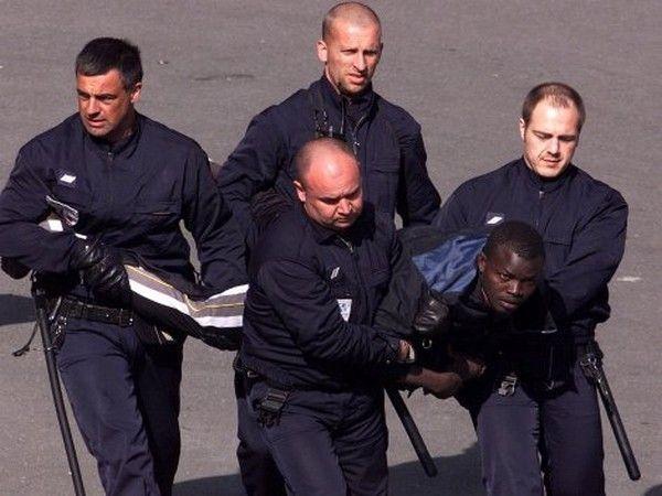 France : 36 822 sans-papiers expulsés en 2012, un record