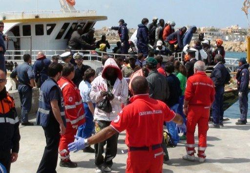 Italie: deux immigrés meurent d'hypothermie avant d'arriver au port de Lampedusa