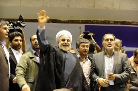 Qui est Hassan Rohani, en tête de l'élection présidentielle en Iran ?