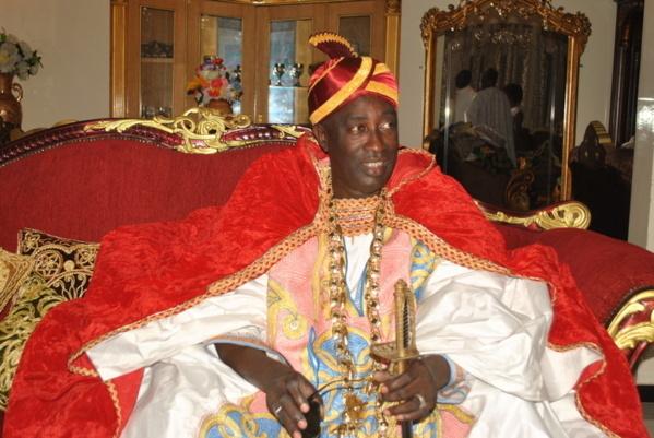INTRONISATION DE PAPE IBRAHIMA DIAGNE BASSIROU : Diècko découvre son nouveau Grand Serigne de Dakar