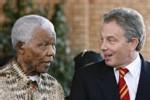 En visite en Afrique du Sud : Mandela salue en Tony Blair 'le plus jeune des retraités'