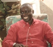 L'autre facette de la visite de l'ex-Pm au consulat du Sénégal à Paris Idy avait rendez-vous avec Wade au téléphone et s'apprête à rentrer