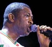TOURNÉE ALSAAMA DAY A THIES: Youssou Ndour offre 500 moustiquaires imprégnées et enflamme le stade Maniang Soumaré