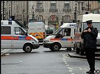 DECOUVERTE DES VOITURES PIÉGÉES : La Grande-Bretagne sur le qui-vive