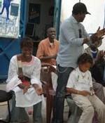 Elle offre 700 mille francs et autres dons à l'empire des enfants : Adama Paris au chevet des démunis