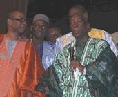 HOMMAGE A EL HADJ MANSOUR MBAYE: Youssou Ndour casse la baraque