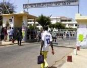 Université Cheikh Anta DIOP : Les étudiants manifestent contre la fermeture du campus et le retard des bourses