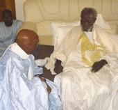 Me Wade à Touba suite au décès de Serigne Moustapha Bassirou Mbacké ''J'ai perdu un grand ami''