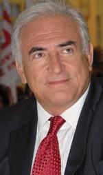France : Dominique Strauss-Kahn prend la tête d'un Fmi affaibli