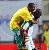 Match Sénégal - Guinée: Pape Bouba Diop et Demba Bâ définitivement forfaits