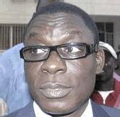 Conflit Karim / Macky: « Je conseille à Macky Sall de revenir à la raison... celui qui aspire à des fonctions doit respecter le président et sa famille » Déclare Farba