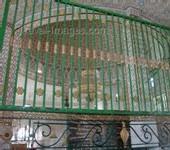 AVEC UNE PAIRE DE CISEAUX: Le faux dévot volait l'argent laissé par les fidèles dans le Mausolée de Thierno M. Tall
