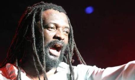 [VIDEOS CLIPS] LUCKY DUBE: l'un des trois grands chanteurs africans avec Alpha Blondy et Tiken Jah Fakoly