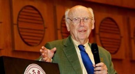 POUR PROPOS RACISTES: Le prix Nobel de médecine exclu d'un labo Newyorkais. James Watson présente ses excuses