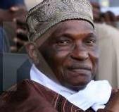 Le président de la République Abdoulaye Wade gracie 149 détenues