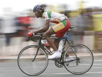 SPORT ET HUMANITAIRE : Des vélos du « Tour de France » pour Thiès et Mbour