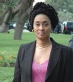 FATOU TAYA NDIAYE A TIVAOUANE: Le ministre de la solidarité offre du riz et du ciment au Khalife des Tidianes