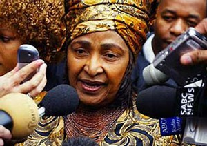GUERRE DE SUCCESSION EN AFRIQUE DU SUD: Winnie Mandela se joint