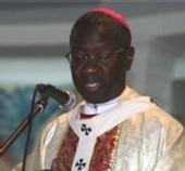 Théodore Adrien Sarr reçoit l'anneau cardinalice
