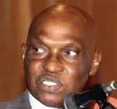 LE PRESIDENT INAUGURE LA PREMIERE UNITE DE PRODUCTION D'ETHANOL: Me Wade invite les Sénégalais à produire du biocarburant