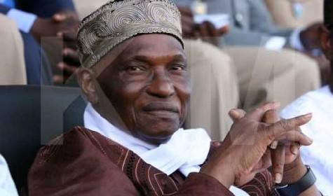 Me WADE ''Karim m'a appelé tout à l'heure pour me dire qu'il a obtenu le financement pour la route de Ouakam''