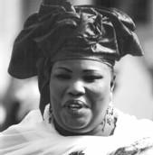 LIMOGEAGE DE AMINATA MBENGUE NDIAYE: Les femmes de la société civile comptent entamer une médiation