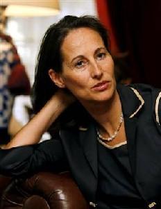 FRANCE : Ségolène Royal veut prendre la tête du Ps