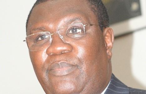 Ousmane Ngom réclame 800 millions de Fcfa au quotidien L'Observateur