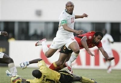 [VIDEO - PHOTOS] L'ANGOLA GIFLE SEVEREMENT LE SENEGAL: Buts et temps Forts du Match (3 buts à 1)